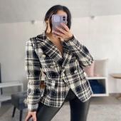 Il blazer perfetto non esist.. ah no scusa ✨  🔍Blazer doppiopetto 25€